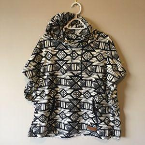 KAVU Woman's Overlook Pullover Fleece Poncho